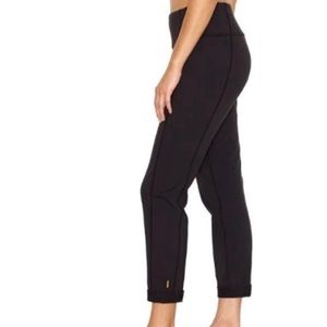 Lucy Strong Is Beautiful Black Cropped Pants M